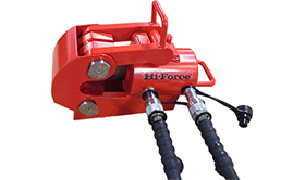 Double acting wire rope cutters