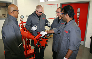 Training the safe and correct use of hydraulic tools