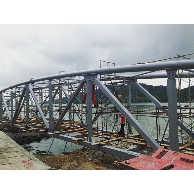Structural bolt tightening works were carried out on a 50 metre cycle track bridge in Malaysia using Hi-Force TWP22S pneumatic torque multiplier with respective sockets. A total of 568 bolts were tightened within three days and involved tightening of M24, M27 and M30 bolts to a specific torque. #hiforce #bolttightening #torqueing #torquemultiplier