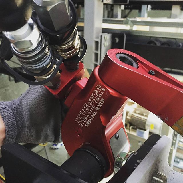 Bolt torqueing works at Bloomberg site in London  #hiforce #torquewrench #bolttightening